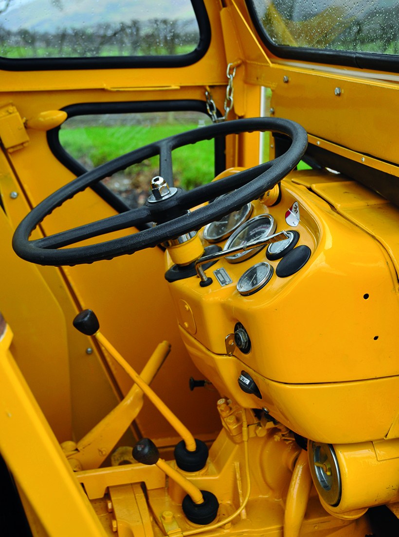 1975 MF20 Industrial tractor