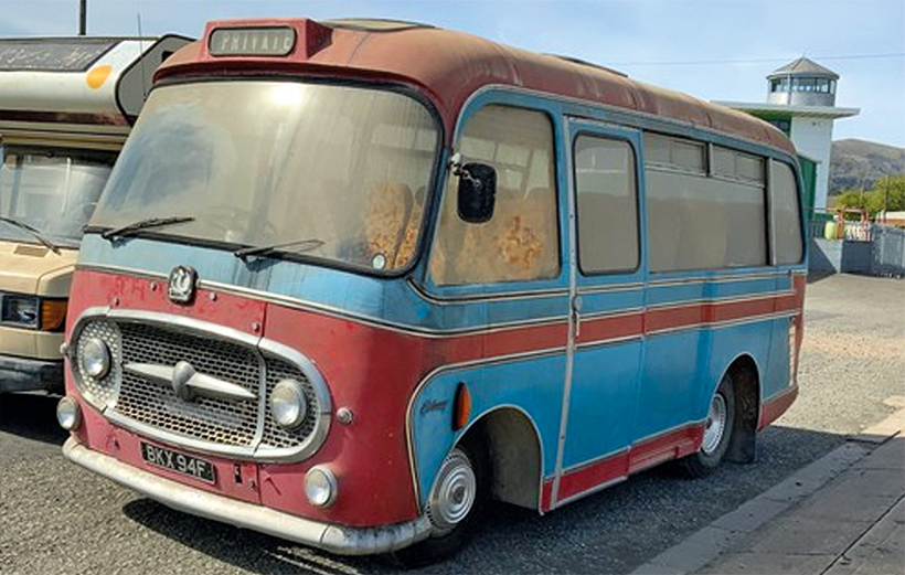 Bedford J2 coach