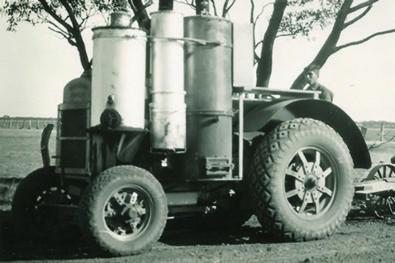 Wood-fuelled tractors
