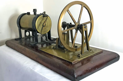 Miniature oscillating-cylinder steam engines